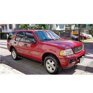 2005 Ford Explorer At Gas