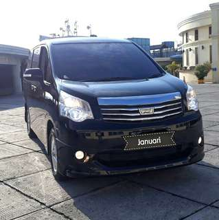Toyota NAV1 V 2.0 At 2014 hitam metalik