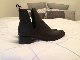 Black ankle boots - cut out sides