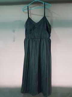 Velvet forest green midi dress