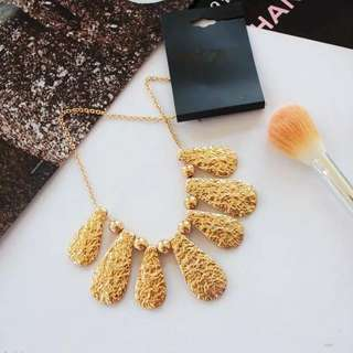 Ladies Korean Elegant Golden Statement Necklace