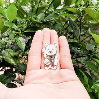 Enamel Pin Fortune Japanese Spitz with a dash of Sakura Flowers