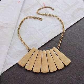 Ladies Korean Elegant Golden Statement Necklace