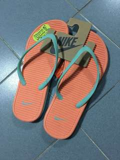 BNWT authentic - orange mint Nike slippers EUR 39