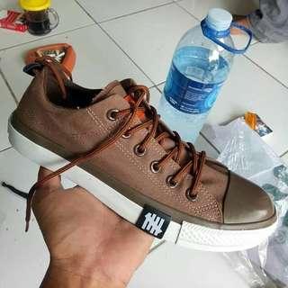 Sepatu dewasa converse import
