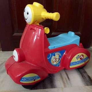 Pre❤️ Fisher Price Laugh & Learn Smart Stages Scooter Ride On