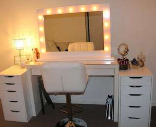 Vanity table set