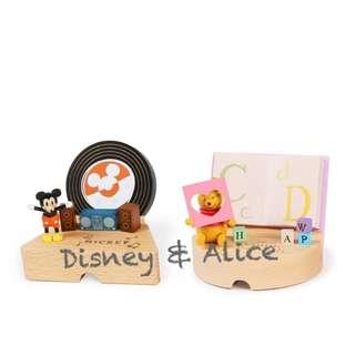 🚚 迪士尼 Disney / 維尼米奇木質手機架 / D259 / 小熊維尼 米老鼠 支撐架 手機座 公仔 手機支架
