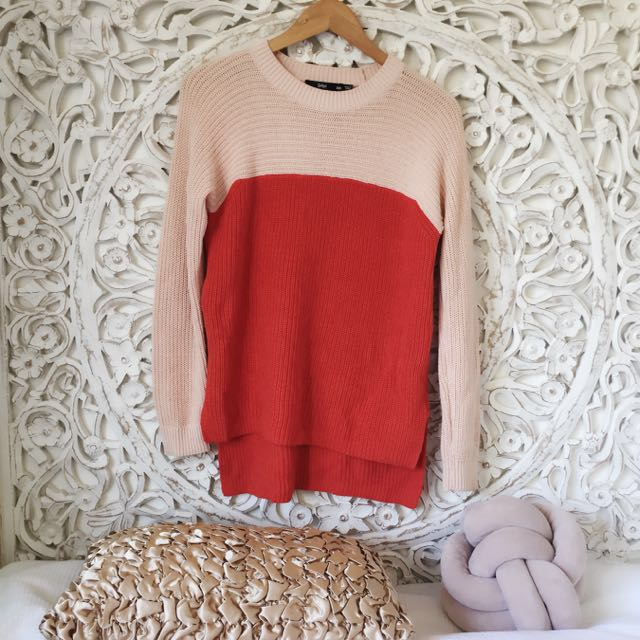 Baby pink/red knit