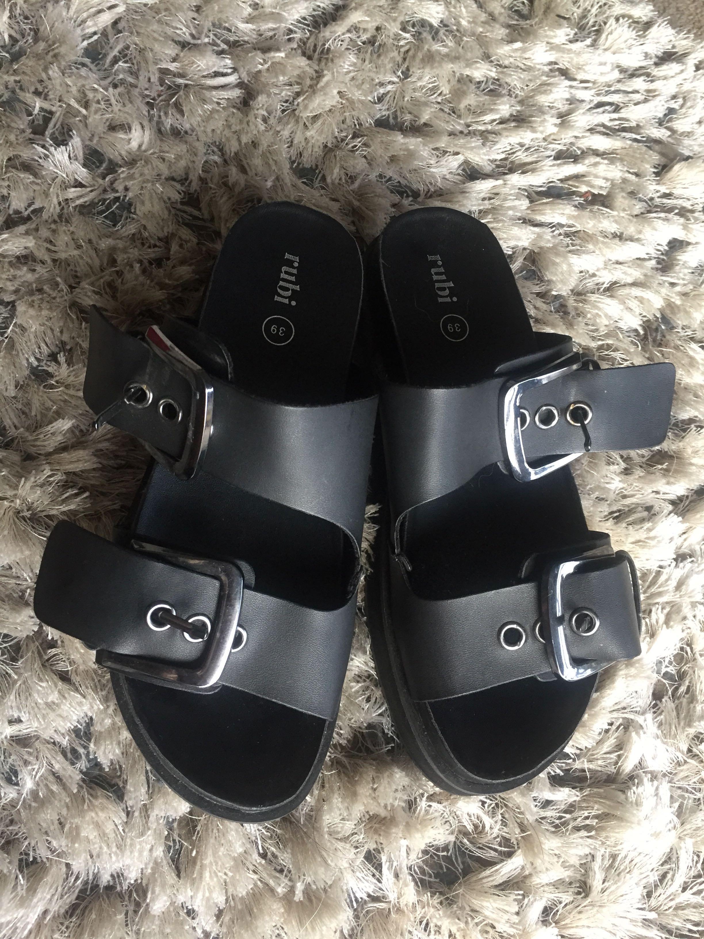 Black platform sandals size 39