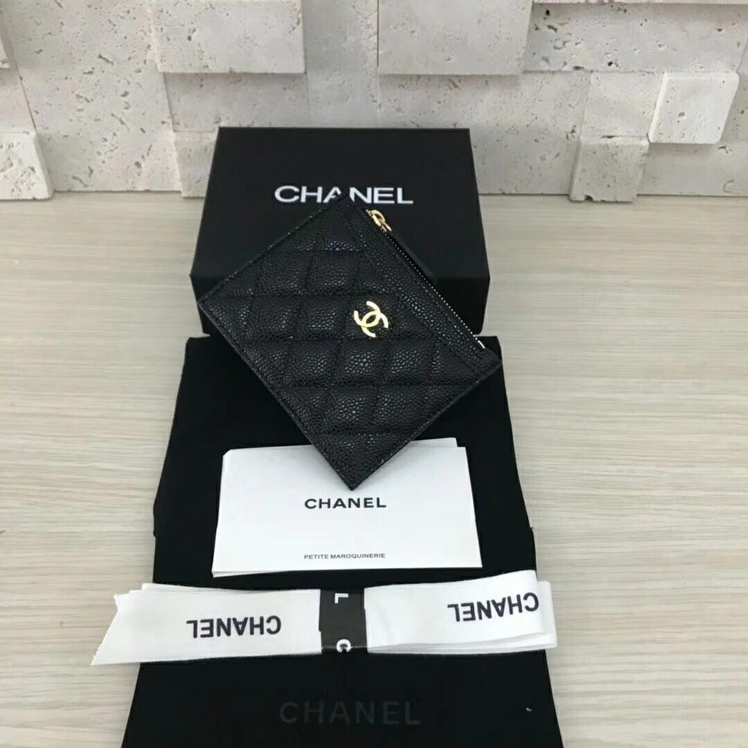 a170d2c8416d34 Chanel Zipped Cardholder, Luxury, Bags & Wallets on Carousell