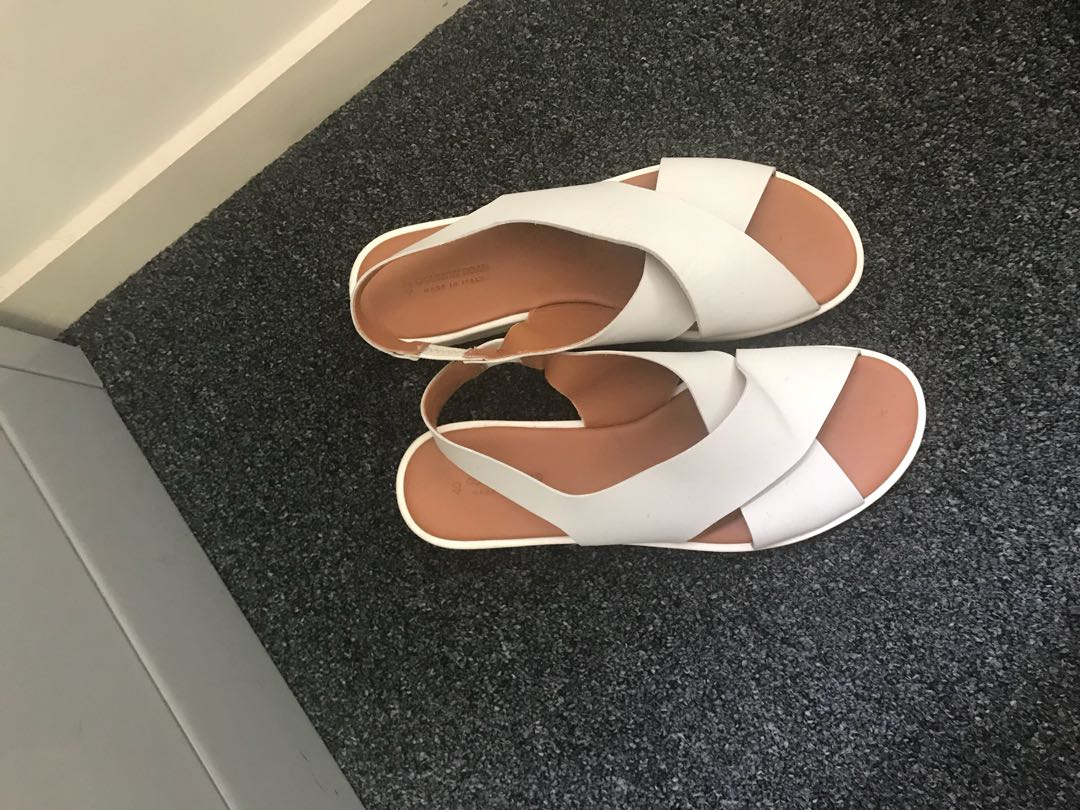 Country road white sandles 41