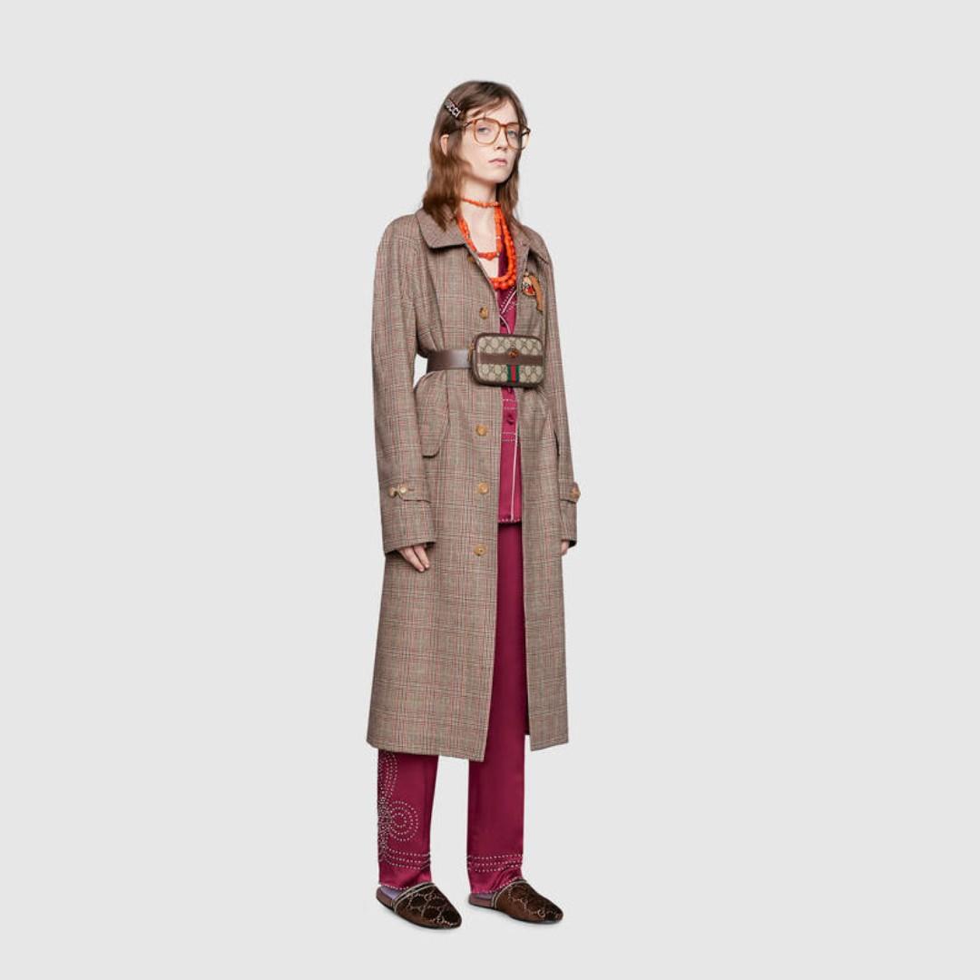 b6f624bbe82 GUCCI Authentic  Like New  Women s GG Canvas Mini Belt Bag  75CM  S ...
