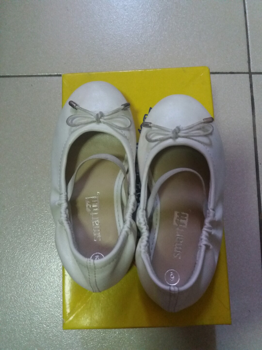 c185ca91acdf Smartfit white shoes girls size 6 from payless store