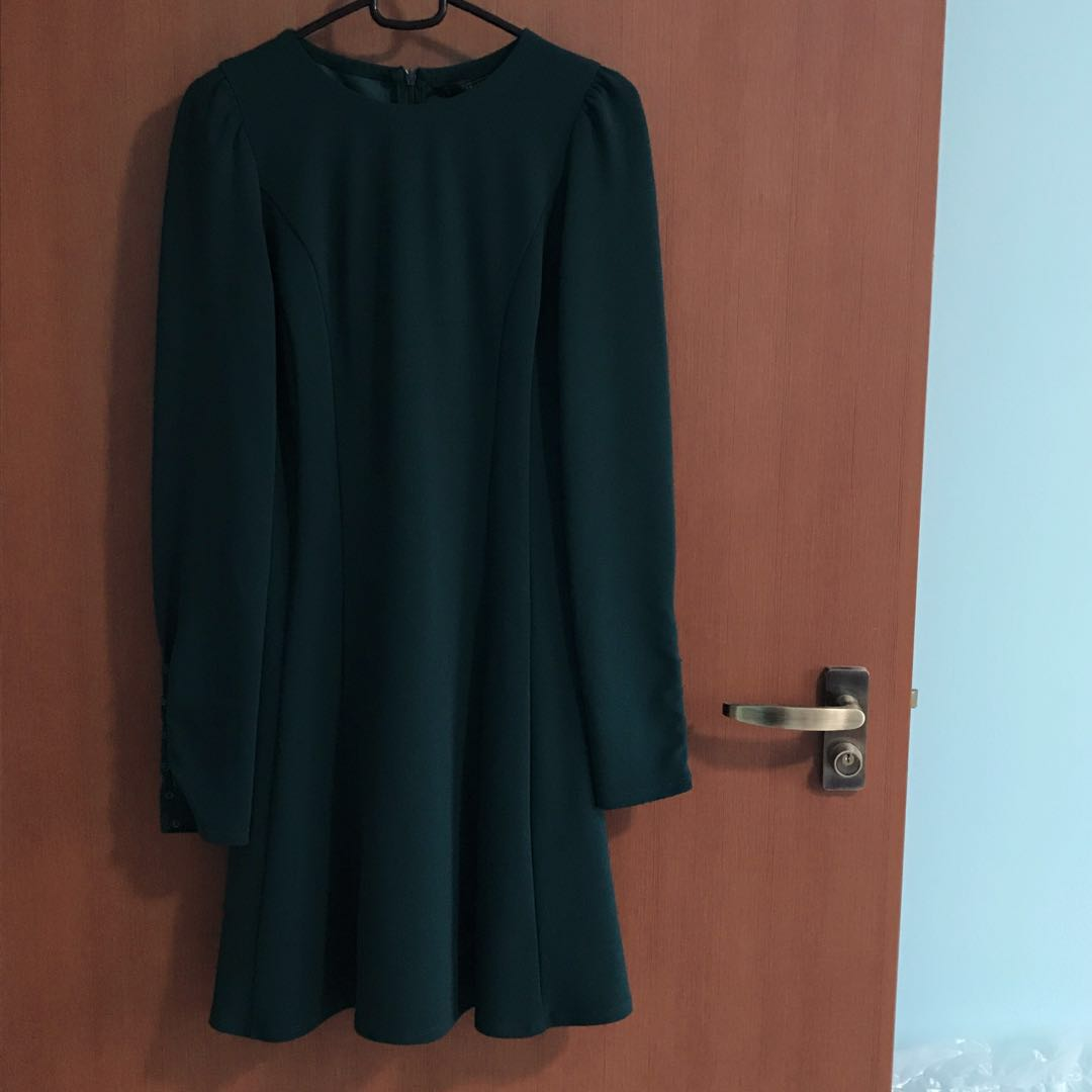 daaa6aff Zara long sleeve dark green dress, Women's Fashion, Clothes, Dresses &  Skirts on Carousell
