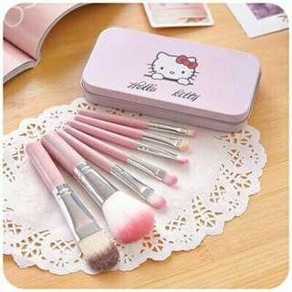 Kuas /brush HELLO KITTY isi 7 (packing kaleng)