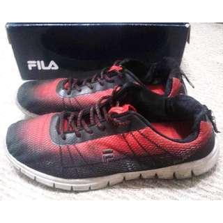 Fila size 9 Men's Rubber shoes