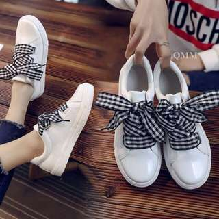 Sepatu Putih Pita Loreng - Kets Putih Murah - Sepatu Bukan Puma - Sepatu Hangout - Sepatu Gaya - Sneakers Pita - Slipon Lucu