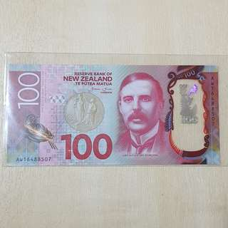 2016 Series New Zealand New Polymer 100 Dollar Banknote