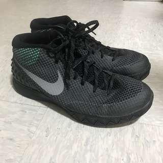 Nike kyrie 1 black edition US 10.5