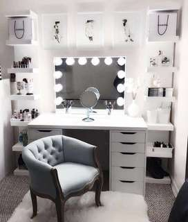 Vanity table, mirror and drawer set
