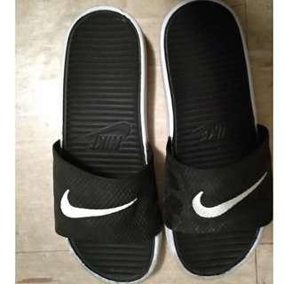 Nike Sliders US 7