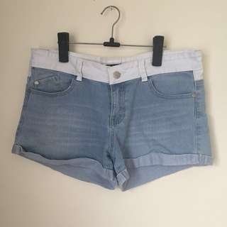 Valley girl denim shorts - size 12