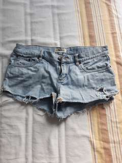 Distressed tna shorts size 28