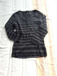 Uniqlo shirt size xs-s