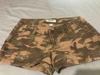SUPER SALE: Old Navy Camouflage Shorts