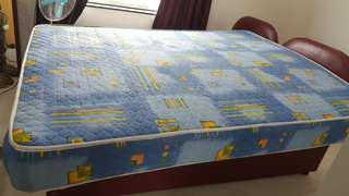 Mattress in superb condition -Queen Size ..Good opportunity!!