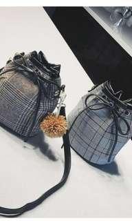 Small bucket bag (pre-order)