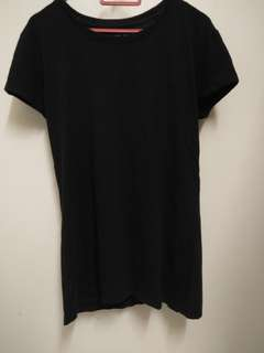 Black Top simple tee