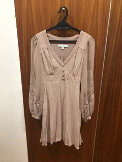 Long sleeve dress size 4