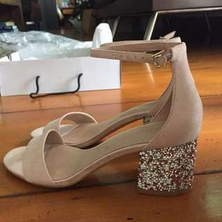 Brand new aldo heels size 7.5