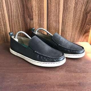 Tommy Bahama Leather Slipons