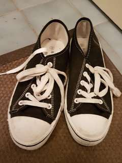 Black and White Converse lookalike