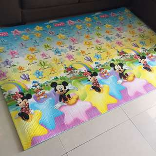 Used baby mat Micky Mouse ABC
