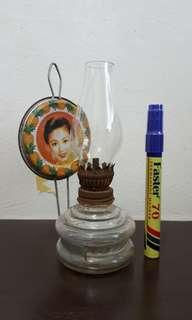 Lampu minyak tanah amoi cantik