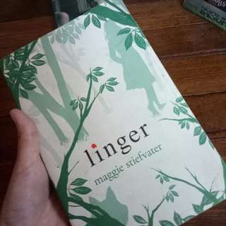 Linger - shiver series by maggie stiefvater