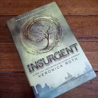 Insurgent - divergent series by veronica roth