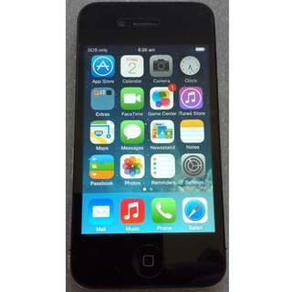 Apple iPhone 4 - 32GB Black Unlocked Smartphone + 3 Cases + USB Cable