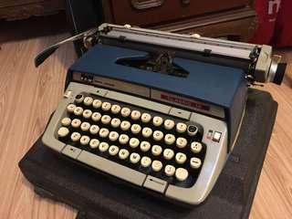 🚚 SCM Smith corona classic12打字機 USA