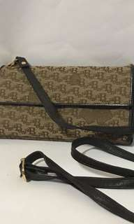 Bonia wallet slingbag