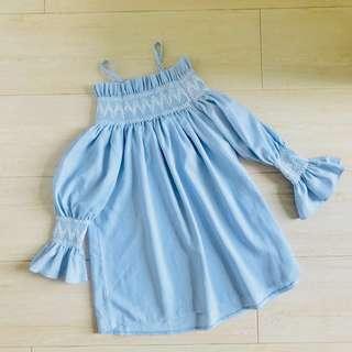 (95%new)一字領 baby blue colour 荷花袖