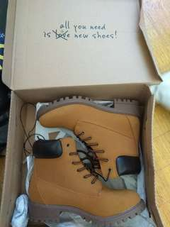 Boots New size 36 female