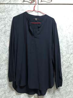 Uniqlo navy blouse