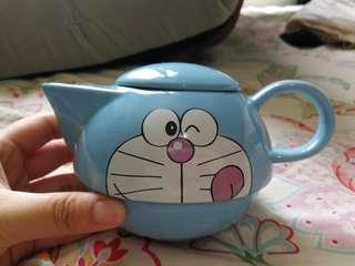 多啦a夢茶壺