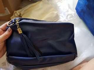 Sling bag 8