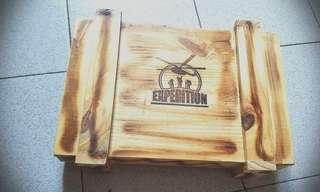 山藝大隻型男之選……(全新)俄羅斯出品野外求生套裝(Expedition Survival Kit)